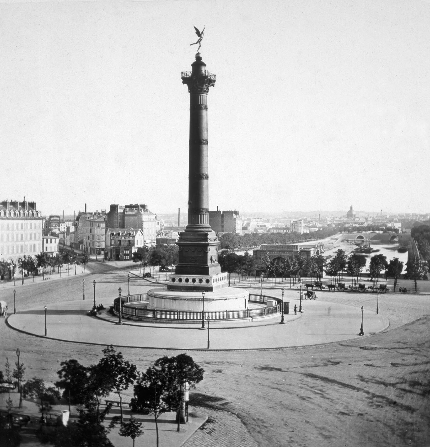 Colonne de Juillet Place de la Bastille ca 1855