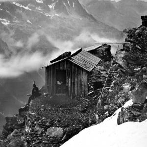 511 France 'Cabane des Grande-Mulets et Chaine des Aiguilles Rouges, ascension au Mont-Blanc  ca 1870